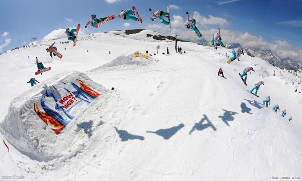 """Habillage de kick - Kumi Yama 08 - <em>Photo de <a href=""""http://www.jerometanon.com/"""" target=""""_blank"""">J. Tanon</a> </em><br/> Aérosol sur bidime - 20m2 env. - <em>Réalisé avec Diseck</em><br/> Les 2 Alpes (38) - 2008"""