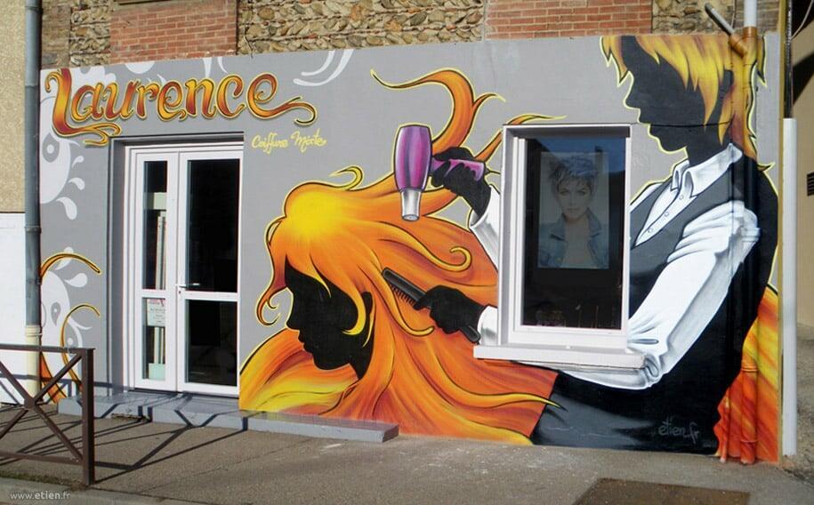 Façade du salon Laurence coiffure<br/> Aérosol et acrylique - 20m2 env.<br/> La Frette (38) - 2011