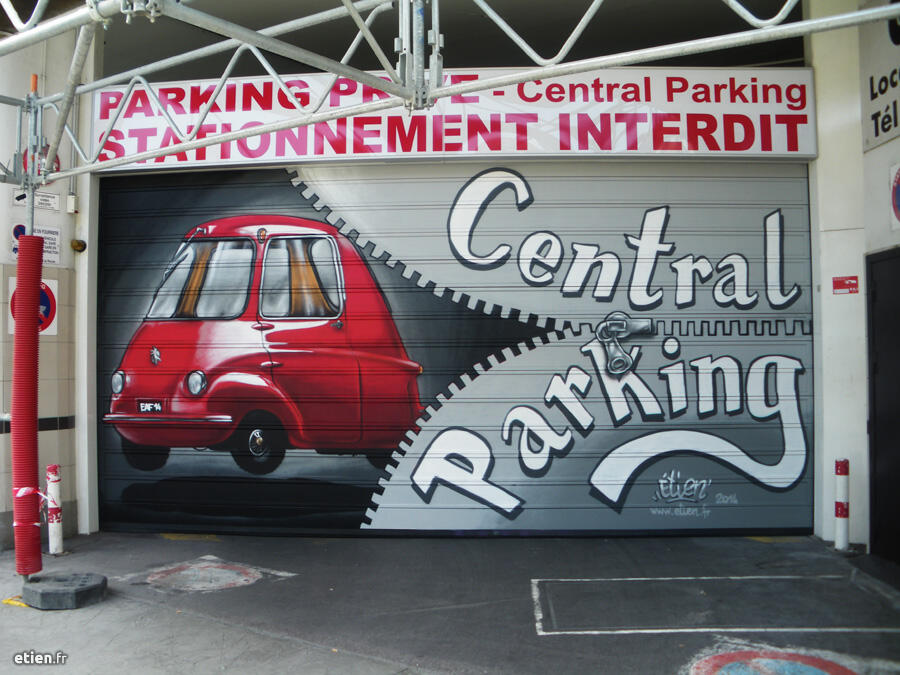 "Fresque sur devanture du Central Parking/Galtier <br/> Aérosol - 21m2 env.<br/> Grenoble (38) - 2014 - <em><a href=""http://etien.fr/fresque-central-parking-galtier/"" target=""_blank"">voir + de photos</a></em>"