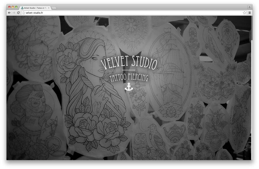 "Webdesign pour le Velvet Studio <br/> <em><a href=""http://velvet-studio.fr/"" target=""_blank"">voir le site</a></em><br/>2014"
