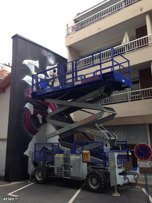 """Fresque Murène<br/> Acrylique et aérosol - 24m2 env.<br/> Grenoble (38) - 2015 - <em><a href=""""http://etien.fr/fresque-murene/"""" target=""""_blank"""">voir + de photos</a></em>"""
