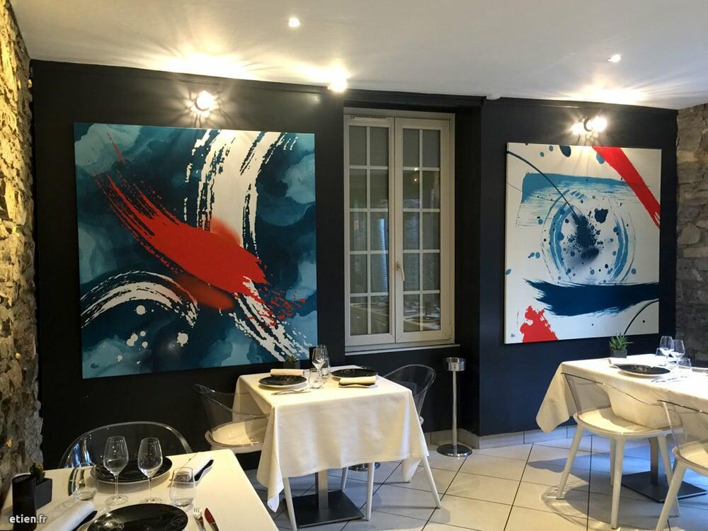 """Toiles pour le restaurant gastronomique <a href=""""http://www.restaurant-badine.com/"""""""" target=""""_blank"""">Badine</a><br/> Acrylique et aérosol - 1m50 x 1m50 / toile<br/> Grenoble (38) - 2016 - <em><a href=""""http://etien.fr/toiles-pour-le-restaurant-badine/"""" target=""""_blank"""">voir + de photos</a></em>"""