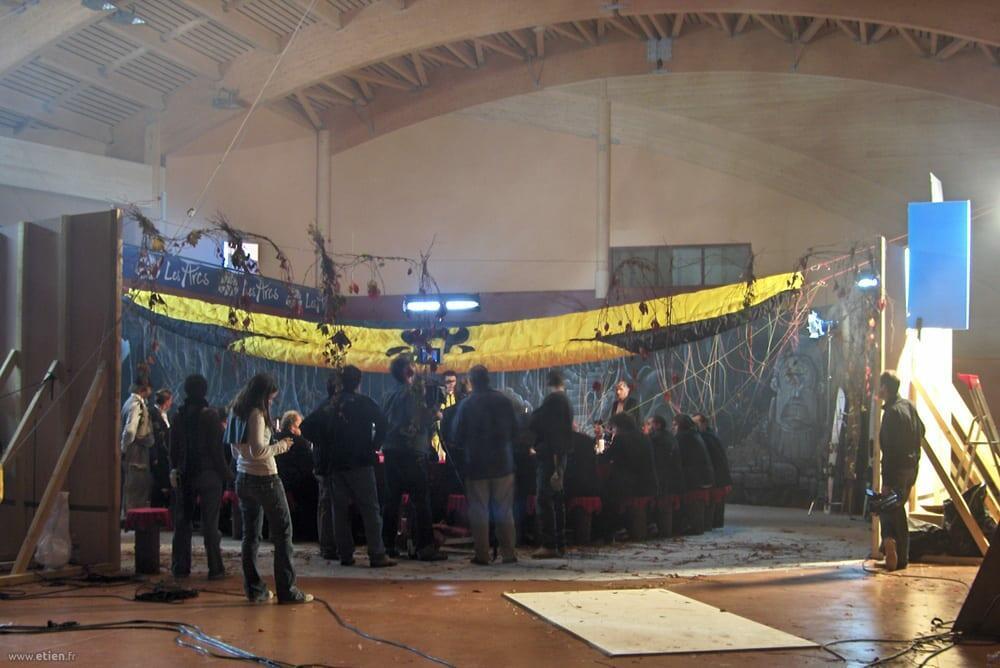 Réalisation d'un décor pour le film Apocalypse Snow (tournage)- <em>Réalisé avec Nessé</em><br/> Acrylique - 80m2<br/> Les Arcs (73) - 2006
