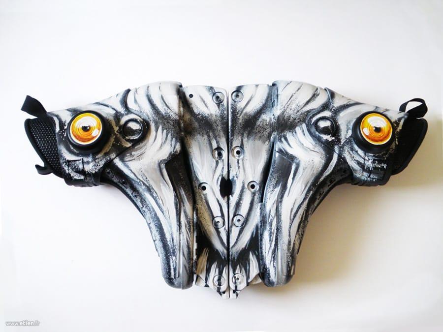 Sculpture à base de rollers pour expo collective<br/> Aérosol et acrylique<br/> 2010