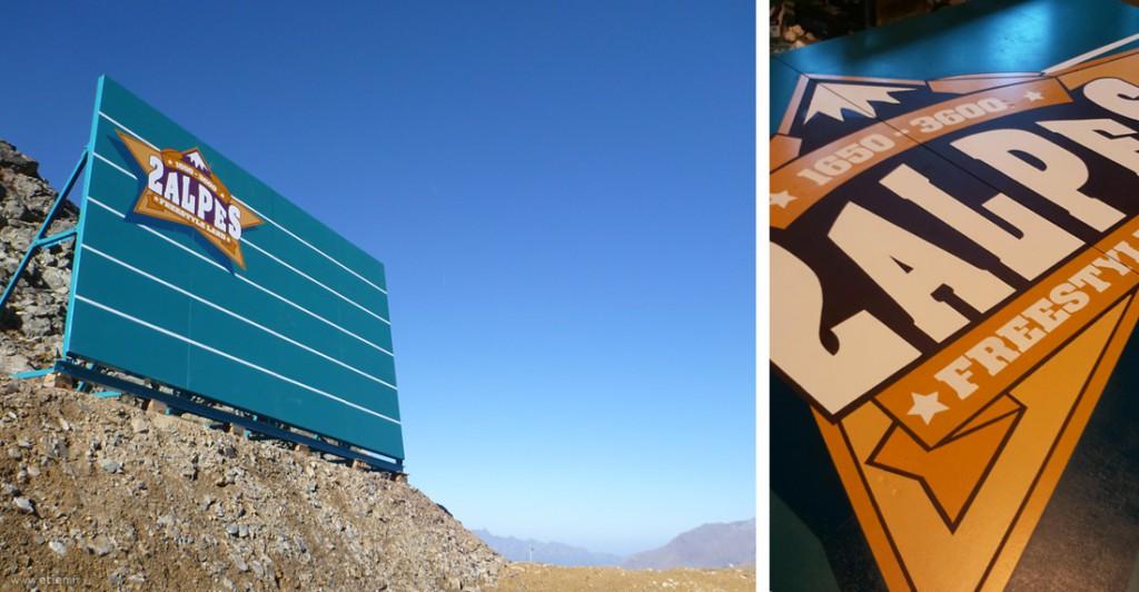 """Décoration d'un wall pour <a href=""""http://www.2alpes-snowpark.com/"""" target=""""_blank"""">les 2 Alpes</a> - <em>Reproduction du logo à la main</em><br/> Acrylique bois sur mélaminé extérieur - 60m2<br/> Les 2 Alpes - 2012"""
